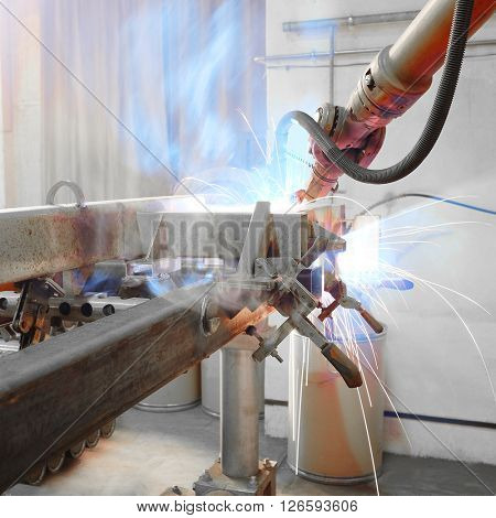 The image of a welding slave