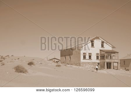 Ludertiz Kolmanskop Desert House Architecture Old Abondoned Holiday Home Vacation Country Travel