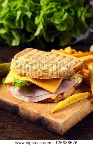 Sandwich Oardon Wooden B