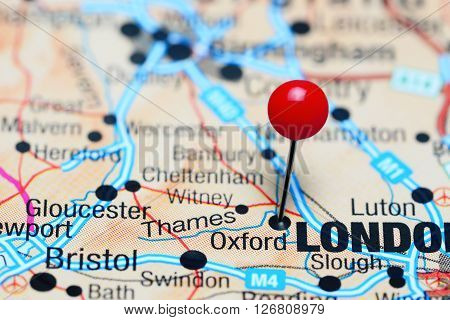 Oxford pinned on a map of UK