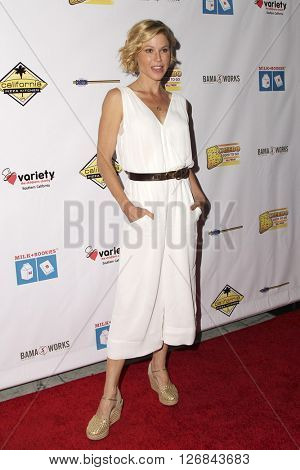 LAS VEGAS - APR 17:  Julie Bowen at the Milk + Bookies Story Time Celebration at the California Market Center on April 17, 2016 in Los Angeles, CA