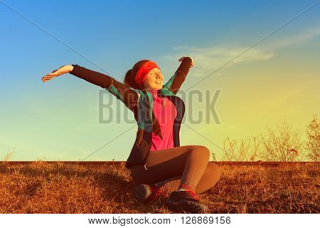 Beautiful woman doing workout runner during a morning workout, workout before jogging