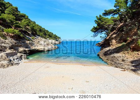 Summer Baia Della Pergola Small Calm Quiet Beach,  Gargano Peninsula In Puglia, Italy