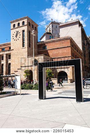 La Spezia, Italy - 2017, April 29 : The Post Office Of La Spezia And An Arch Designed By Artist Dani