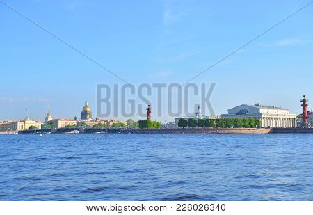 Spit Of Vasilyevsky Island And Neva River In St.petersburg, Russia.