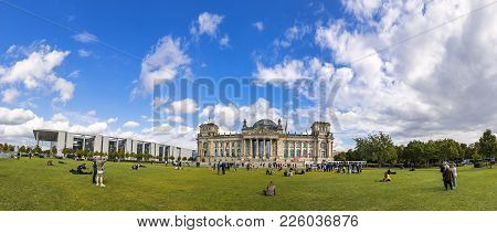 Berlin, Germany - Sep 20, 2017: Panoramic View Of Platz Der Republik In Berlin. Paul Lobe House On L