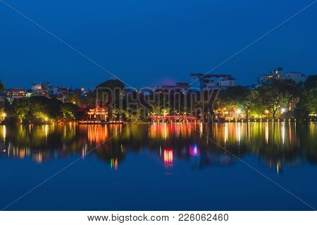 Hoan Kiem Lake View At Twilight With Ngoc Son Old Temple And The Huc Bridge. Hoan Kiem Lake Or Sword