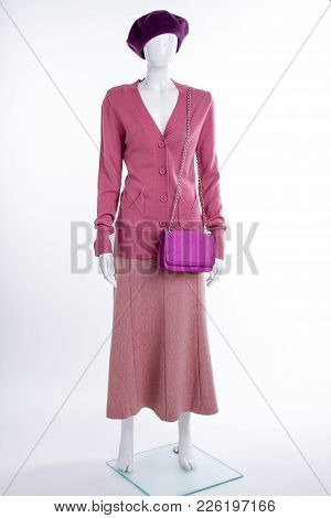 Mannequin In Beret, Sweater And Skirt. Female Pink Cardigan, Skirt And Bag. Ladies Clothes And Acces
