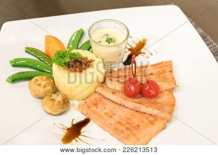 Ham Steak with mashed potato