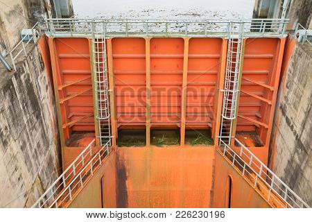 Hoa Binh, Vietnam - Jan 14, 2016: Spillway Gate Of Hoa Binh Hydroelectricity Plant. The Plant Was Bu