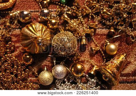 Golden Bells,balls, Bead And Chain For Decoration On Christmas And New Year