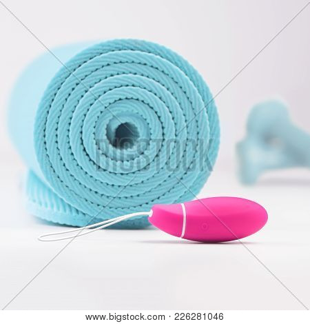 Ultimate Training Solution For Strengthening Your Pelvic Floor Muscles In An Easy And Effective Way