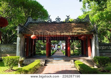 Hanoi, Vietnam - July 24, 2016: Dai Trung Gate Leading To Second Courtyard In Temper Of Literature ,