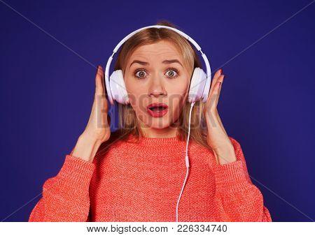 amazed blond listening podcast