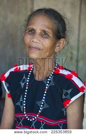 Quang Nam , Vietnam - Oct 07 : Portrait Of A Woman From The Cotu Minority In Quang Nam Vietnam  On O