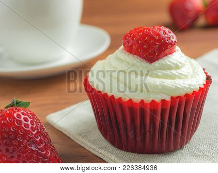 Close-up Image Of Red Velvet Strawberry Cup Cake On Coffee Cup Background With Copy Space, Valentine