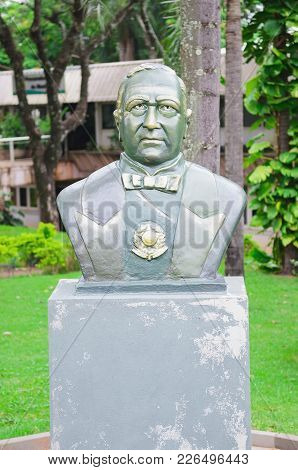 Bust In Front Of Procuradoria Geral Do Municipio I