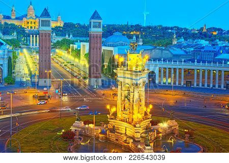 Panorama Towers Venetian And Square Of Spain (placa De Espanya),