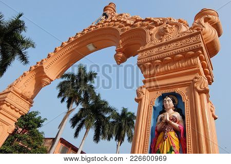 Rishikesh, India - November, 9th, 2017. Beautiful View Of Parmarth Niketan Ashram In Rishikesh