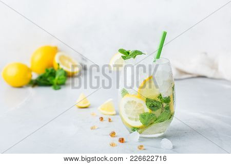 Cold Alcohol Mojito Cocktail, Long Drink Beverage, Lemonade