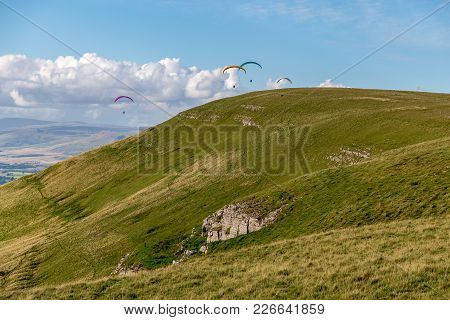 Paragliding Near The Nine Standards Rigg, Near Kirky Stephen, Yorkshire Dales, Cumbria, Uk