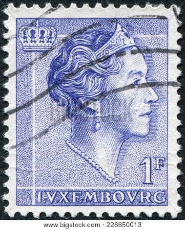 Luxembourg - Circa 1960: A Stamp Printed In Luxembourg, Shows Charlotte, Grand Duchess Of Luxembourg