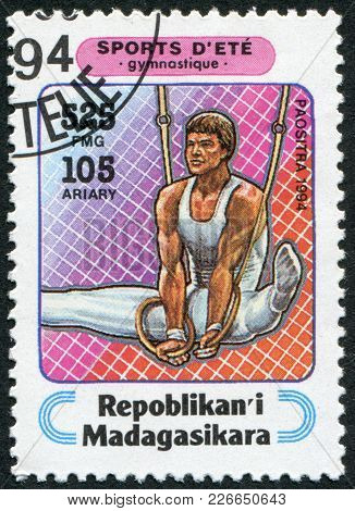 Madagascar - Circa 1994: Postage Stamps Printed In Madagascar, Is Devoted To Sports, Rings (gymnasti