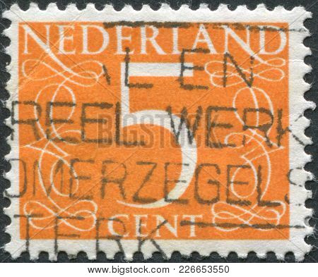 Netherlands - Circa 1953: A Stamp Printed In The Netherlands, Shows The Value Of A Postage Stamp, Ci