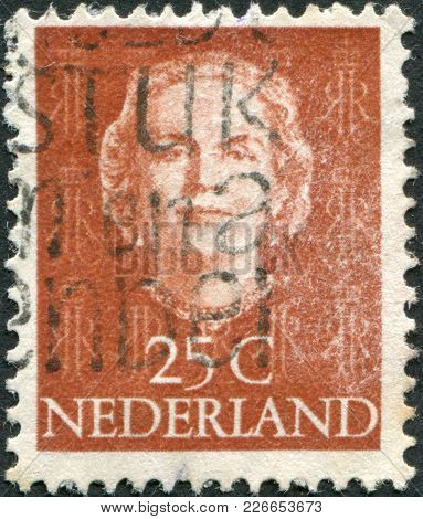 Netherlands - Circa 1949: A Stamp Printed In The Netherlands, Shows Juliana Of The Netherlands, Mono