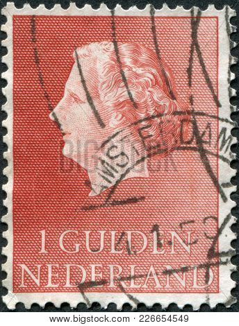 Netherlands - Circa 1954: A Stamp Printed In The Netherlands, Shows Juliana Of The Netherlands, Circ