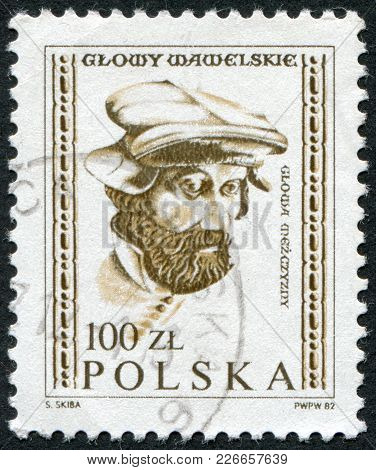 Poland - Circa 1982: A Stamp Printed In The Poland, Shows A Male Head Of The Embassy Of The Hall Of