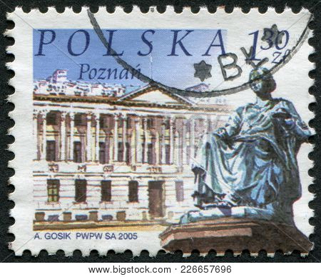 Poland - Circa 2005: A Stamp Printed In The Poland, Shows A Monument Of Hygea, Raczynski Library In