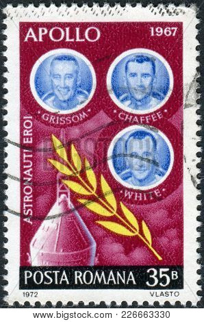 Romania - Circa 1972: A Stamp Printed In The Romania, Shows The Crew Of The Spaceship Apollo-1 Ed Wh