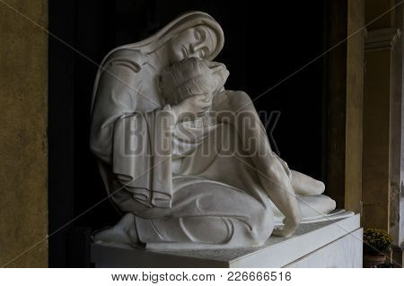 Forli, Italy - 27th December 2017: More Than 100 Years Old Religious Statue Madonna And Christ (comp