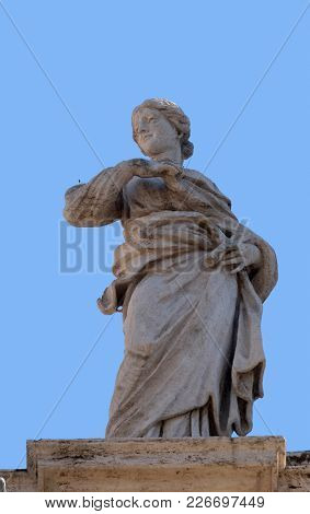 ROME, ITALY - SEPTEMBER 02: St. Beatrice, fragment of colonnade of St. Peters Basilica. Papal Basilica of St. Peter in Vatican, Rome, Italy on September 02, 2016.