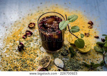 Mixed Fruit Juice/shrabat With Ingredients Like Lemon,lemon Juice, Mint Leaves, Orange Juice, Etc In