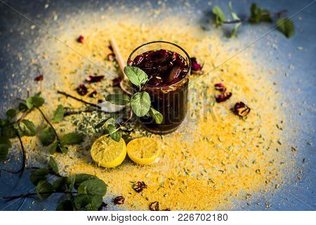 Mixed Fruit Juice/shrabat With Ingredients Like Lemon,lemon Juice, Mint Leaves, Orange Juice, Etc In