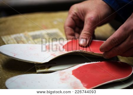 Inserts Are Glued By The Shoemaker, Medicine, Medical