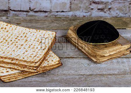 Matza Bread For Passover Celebration Jewish Ritual Holiday Food Unleavened Bread