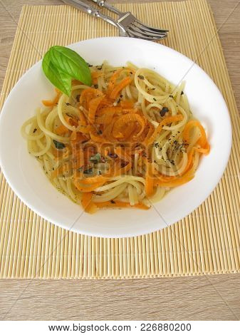Low Carb Vegetable Spaghetti From Carrots And Spaghetti In Broth