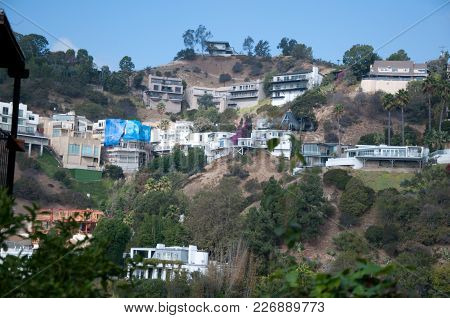 Los Angeles, California, Usa - August 6, 2016: Aerial View Of Fashionable Hillside Homes Near Laurel