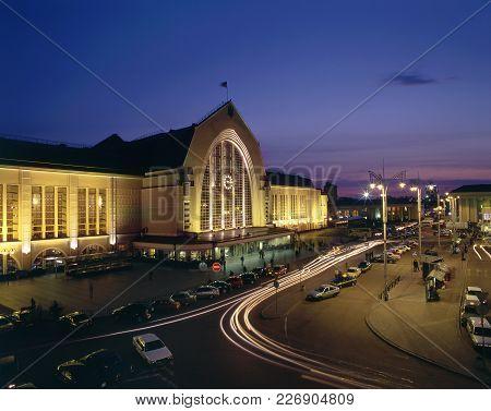 Kyiv-passazhyrskiy Railway Evening View
