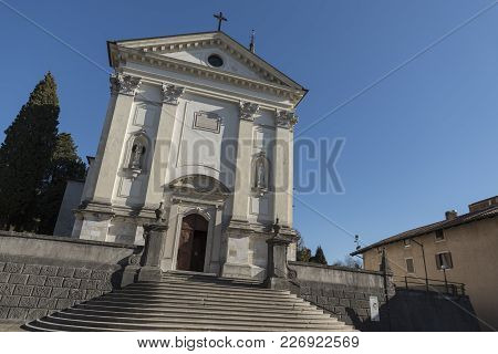 Tricesimo, Italy / Tricesimo, 14/02/2018: Photos Of The Tricesimo Cathedral On A Sunny Day.