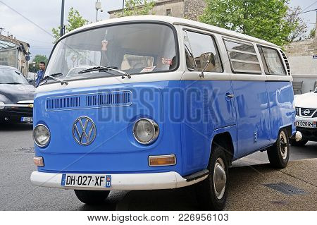 Beaucaire, France - April 30, 2016: Old Volkswagen Van Parked At A Gathering Of American Motorcycles