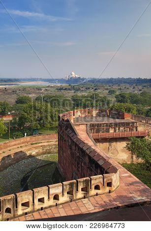 Red Fort Inside. Agra. India Landscape In Sunny Day