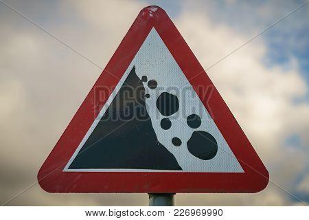 Sign: Falling Or Fallen Rocks, Seen Near Treorchy In Rhondda Cynon Taf, Mid Glamorgan, Wales, Uk