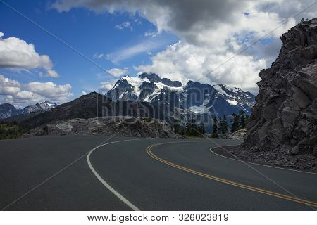 Beautiful View Of Snow Covered Mountains And From Mount Baker Highway From Artist Point