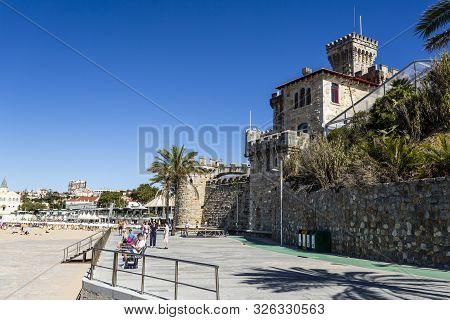 Estoril - August 14, 2019: View Of The Forte Da Cruz, Superb Location Facing The Atlantic Ocean At T