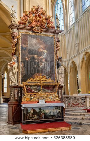 Kutna Hora, Czech Republic, September 15.2019, Reliquary With The Relics Of Saint Felix In Cathedral