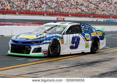 September 29, 2019 - Concord, North Carolina, USA: Chase Elliott (9) races during the Bank of America ROVAL 400 at Charlotte Motor Speedway in Concord, North Carolina.